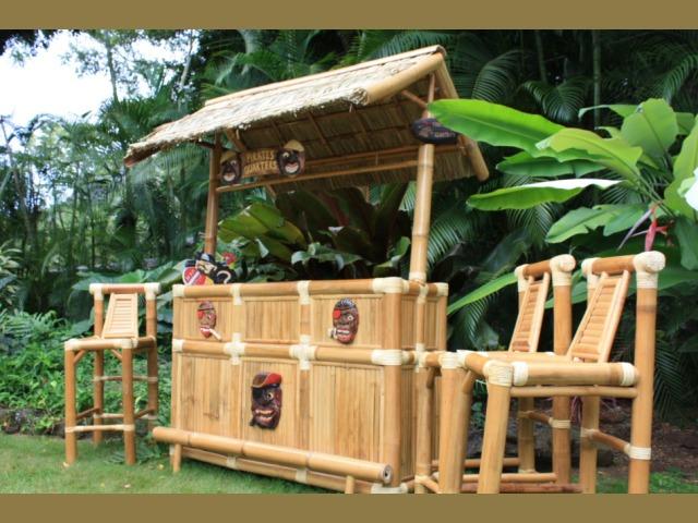 Pirate quarters outdoor tiki bar pirate decor bamboo tiki bar outdoor bar ideas - Bamboo bar design ideas ...