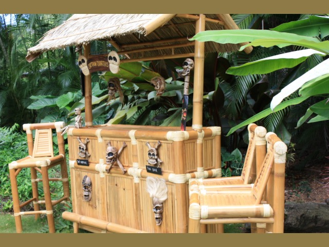 Skull and crossbones outdoor tiki bar skulled out bamboo tiki bar outdoor bar ideas - Bamboo bar design ideas ...